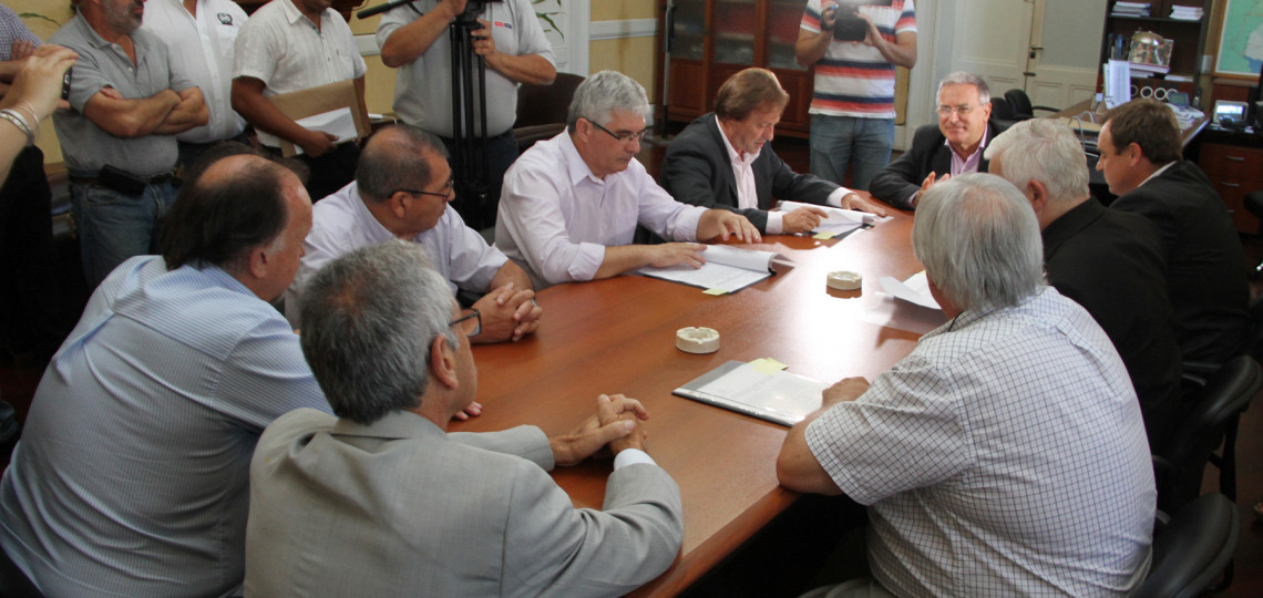 Implementan un servicio de transporte de pasajeros que unirá Oro Verde, San Benito, Colonia Avellaneda y Paraná