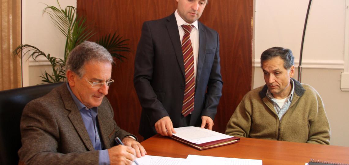 Se firmó el contrato para dar inicio a las obras en escuela N° 166 Facundo Arce de Puerto Víboras