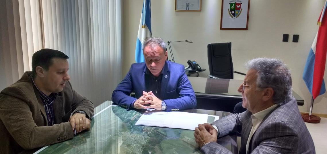 Se entregó el decreto de adjudicación del traslado de Lagunas de Tratamiento al municipio de Crespo