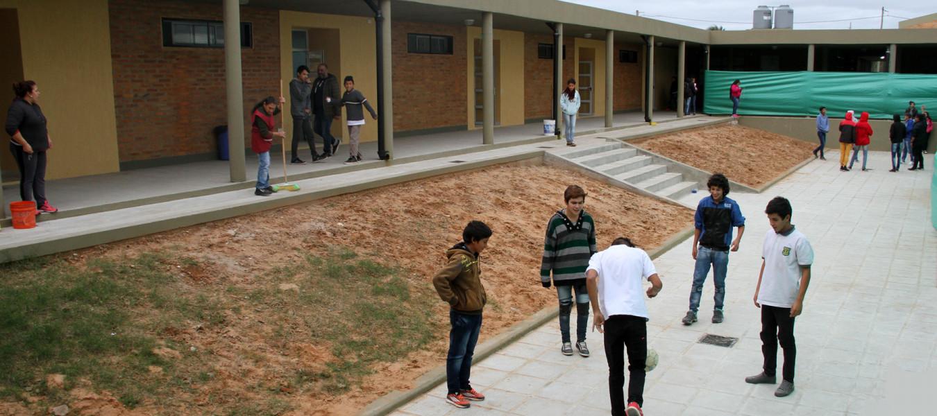 El gobierno provincial controla el estado edilicio y el funcionamiento de los servicios en las escuelas