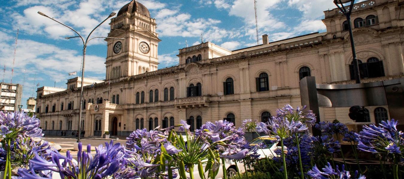 La provincia adjudicó la obra para la puesta en valor de la fachada de Casa de Gobierno