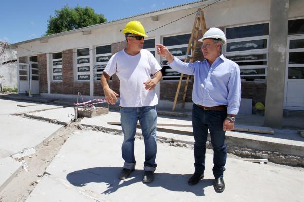 Ingresan en su última etapa las obras en la escuela 166 de Puerto Víboras