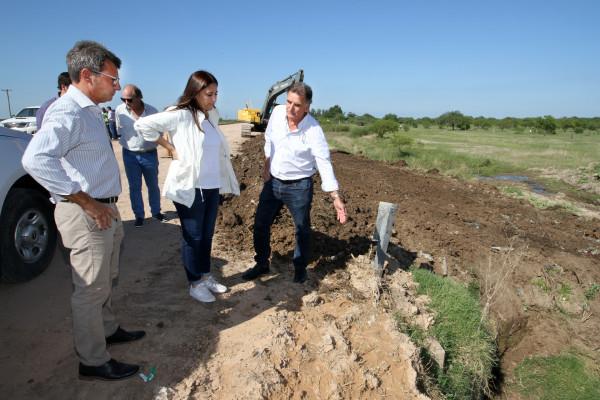 El gobierno provincial avanza con las obras en el acceso a Puerto Ruiz