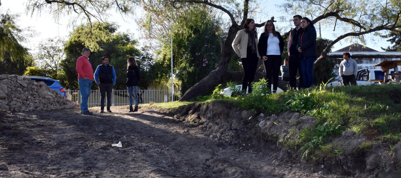 La provincia ejecutó más de 1000 metros de cordones cuneta en juntas de gobierno