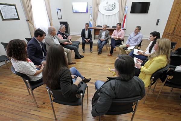 Se realizó la entrega de estudios para la sistematización de las barrancas de la costa del Paraná