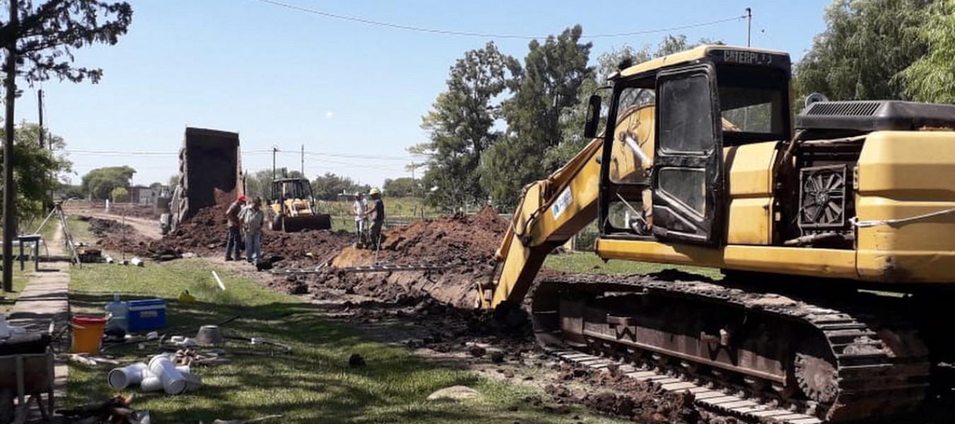Continúan los trabajos de red cloacal en El Pingo