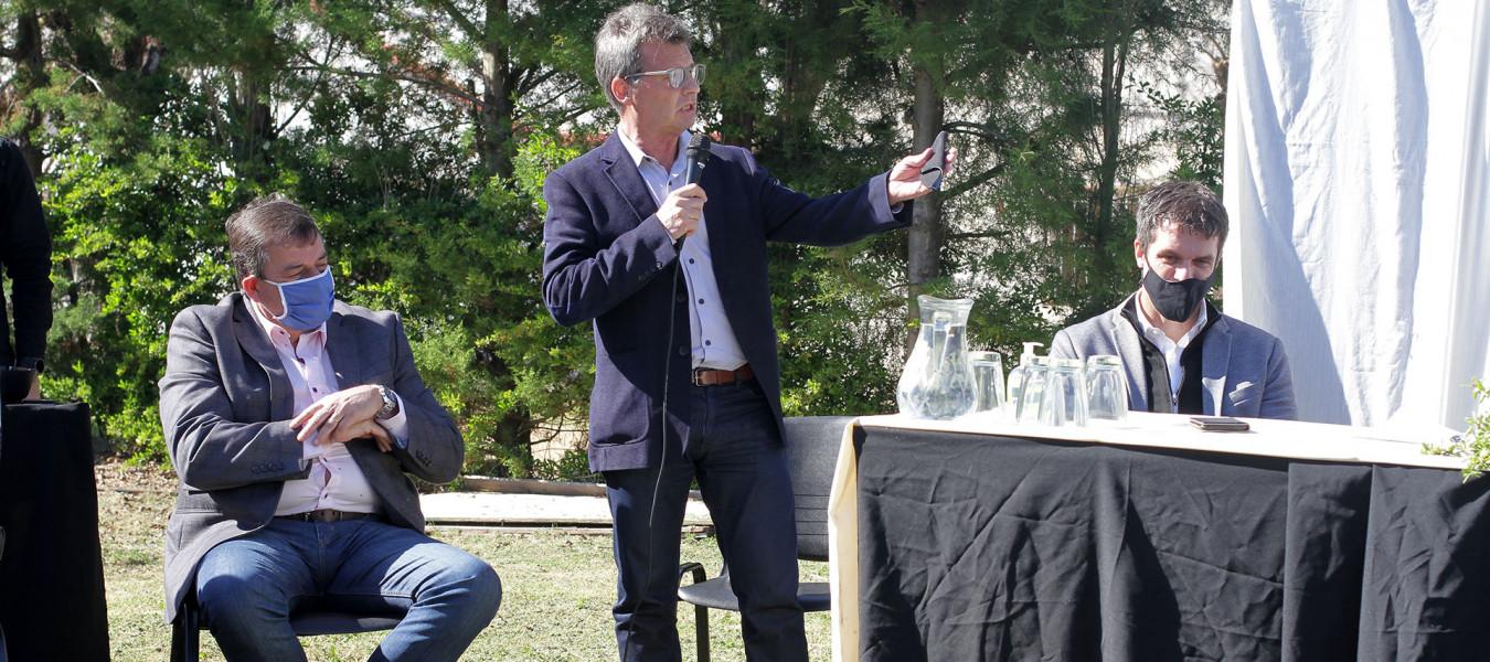 Firman convenios para la ejecución de obras de saneamiento y agua potable para el departamento Colón