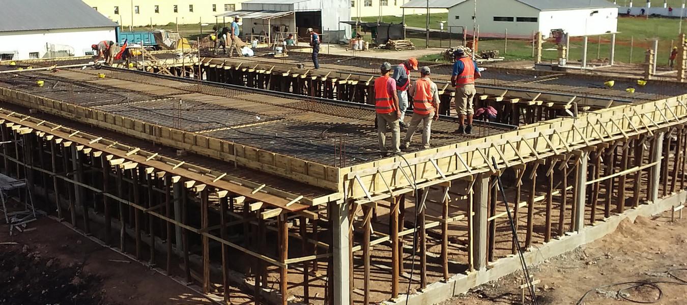 Avanza la obra de construcción de los nuevos pabellones en la UPNº 9 Colonia El Potrero