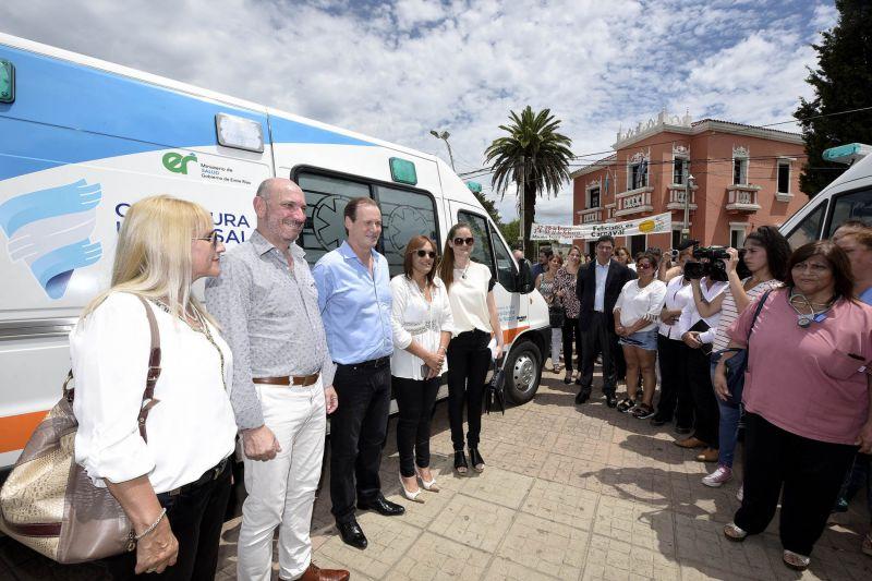 Bordet entregó dos ambulancias en Feliciano y reafirmó su compromiso con la salud pública 1