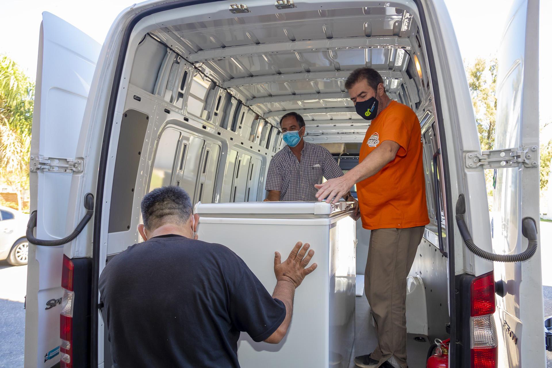 Comenzó la distribución de freezers para la Campaña de Vacunación contra  Covid - Ministerio de Salud